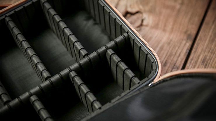Luxury Close-Up Bag (Black) by TCC