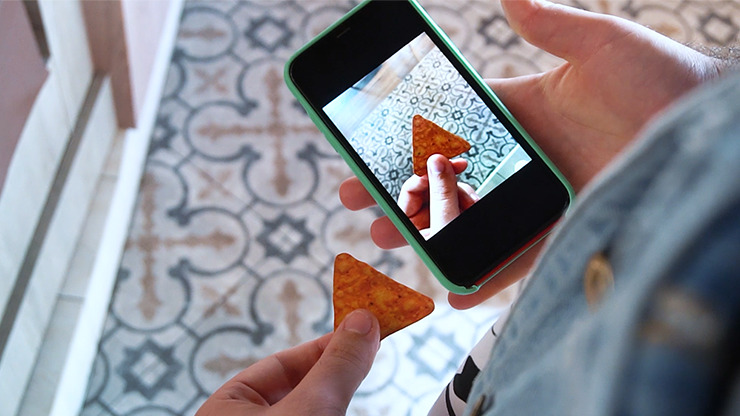 DORITO BITE (Gimmicks and online Instructions) by Julio Montoro and Gabbo Torres
